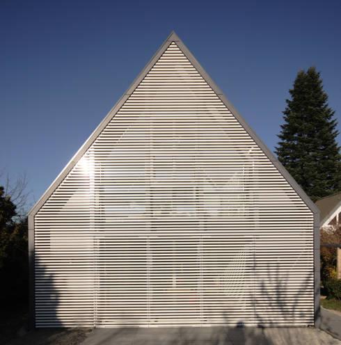 Wohnhaus Ansicht 1:  Wohnzimmer von Haack + Höpfner . Architekten und Stadtplaner BDA