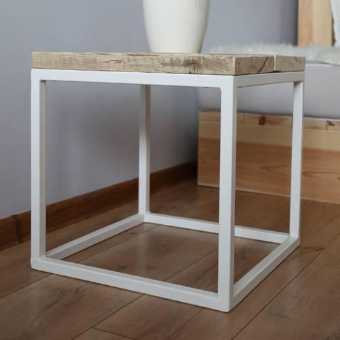 couchtisch hocker von woodenfactory homify. Black Bedroom Furniture Sets. Home Design Ideas