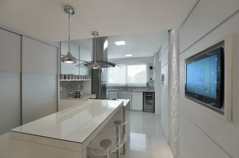 APARTAMETO - TAMARA RODRIGUEZ ARQUITETURA: Cozinhas modernas por Tamara Rodriguez Aquitetura