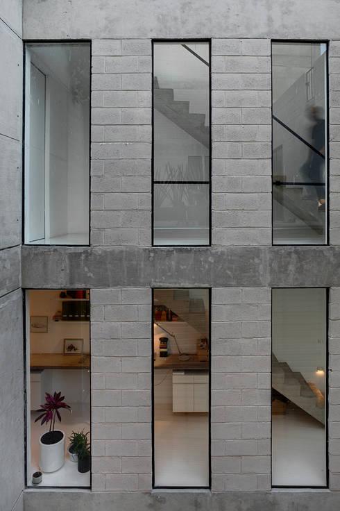 Lisboa 7: Casas de estilo  por AT103