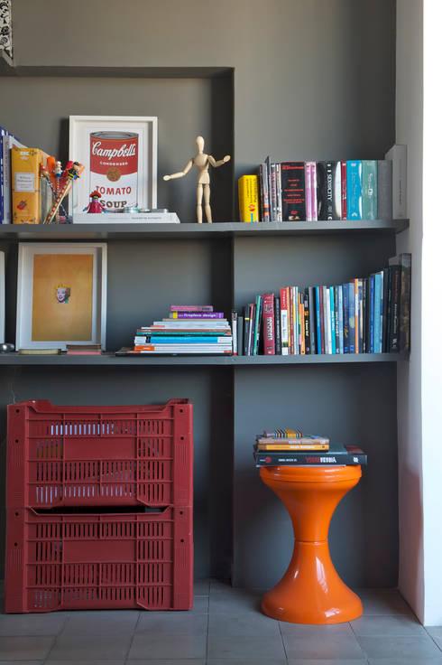 Residência Harmonia: Salas de estar modernas por Mauricio Arruda Design