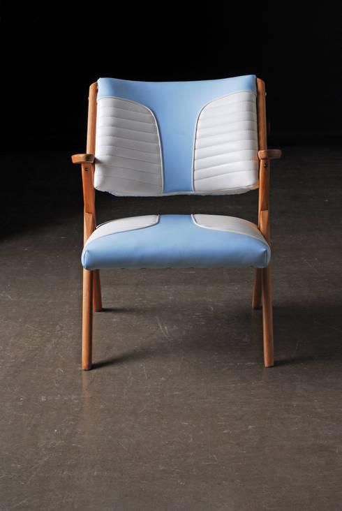 Aquarama chair: Soggiorno in stile in stile Minimalista di Marco Morosini Studio