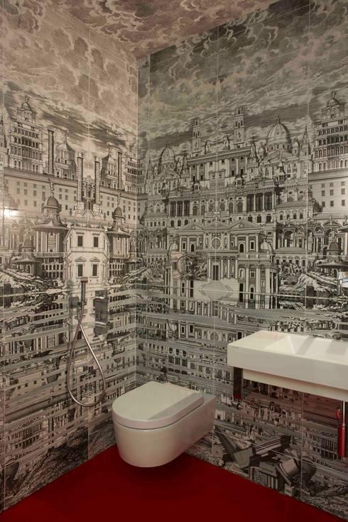 bagno padronale: Case in stile  di Studio Peveri