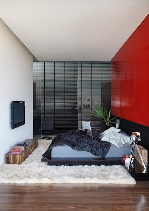 modern Bedroom by STUDIO GUILHERME TORRES
