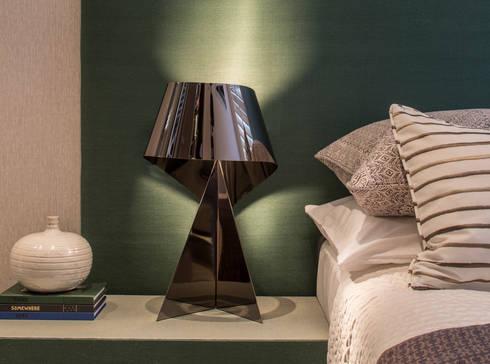 Eaton Mews North - Guest Bedroom: modern Bedroom by Roselind Wilson Design