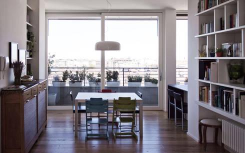 A06   RISTRUTTURAZIONE APPARTAMENTO BOLOGNA:  in stile  di Matteo Spattini Architetto