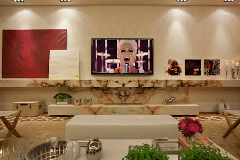 Living – Casa Cor 2013: Salas de estar clássicas por Guardini Stancati Arquitetura e Design