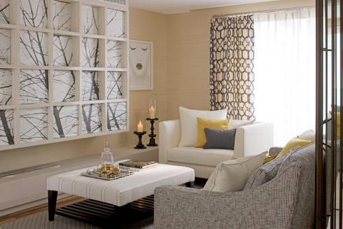 Living Room: classic Living room by Roselind Wilson Design