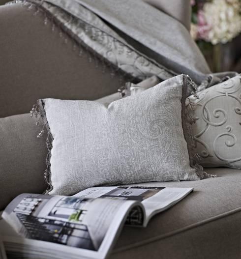 Salas de estilo  por Prestigious Textiles
