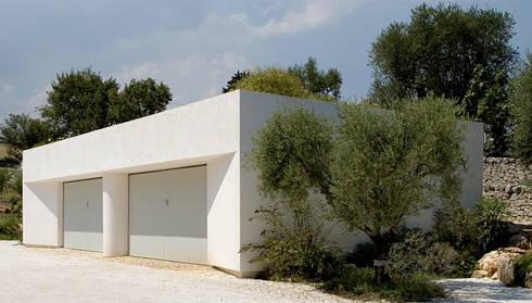 Autorimessa: Garage/Rimessa in stile in stile Moderno di Sergio Prozzillo Ass.ti