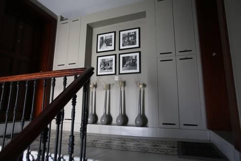 SS HOUSE: modern Living room by Esra Kazmirci Mimarlik