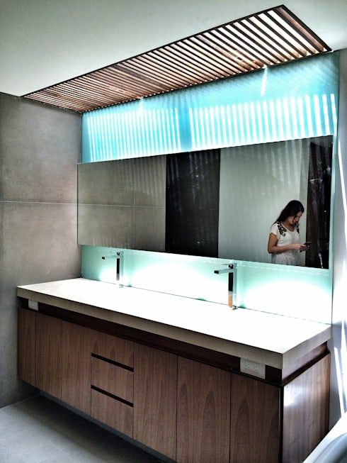 Casa Secreto: Baños de estilo  por REM Arquitectos