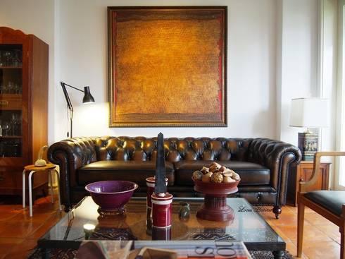 Chesterfield Sofa from Locus Habitat: classic Living room by Locus Habitat