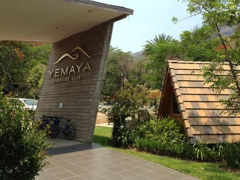Yemaya Adventure Club: Recámaras de estilo moderno por Arki3d