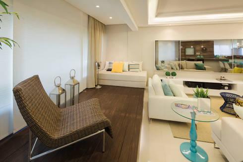 Deck: Salas de estar modernas por AL11 ARQUITETURA