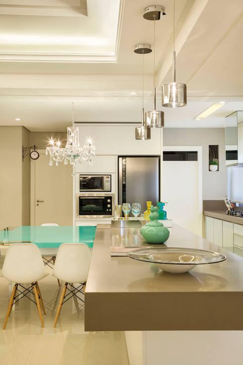 Iluminação: Salas de jantar modernas por AL11 ARQUITETURA