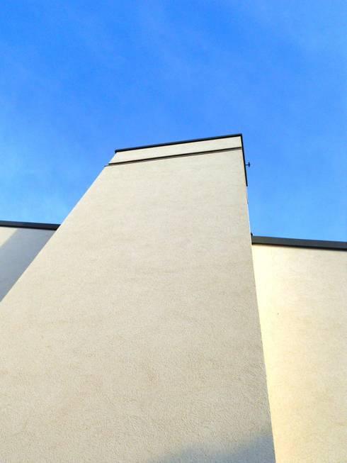 Houses by VALERI.ZOIA Architetti Associati