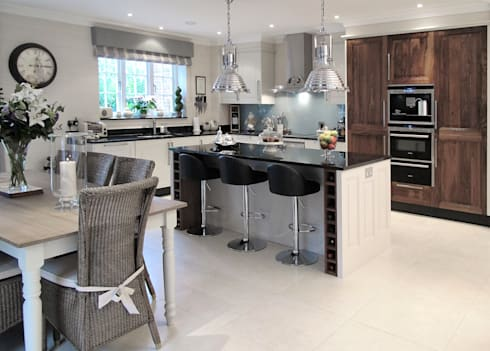 Kitchen In East Sussex:  Kitchen by Clifford Interiors