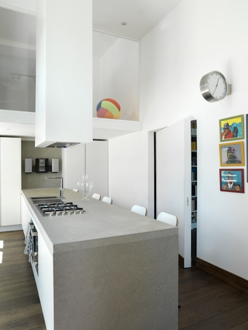 Cocinas de estilo moderno de na3 - studio di architettura