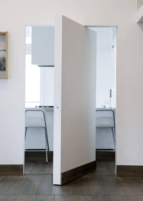 na3 - studio di architetturaが手掛けたキッチン