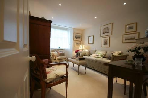 Central London Studio Flat :   by Ashville Inc