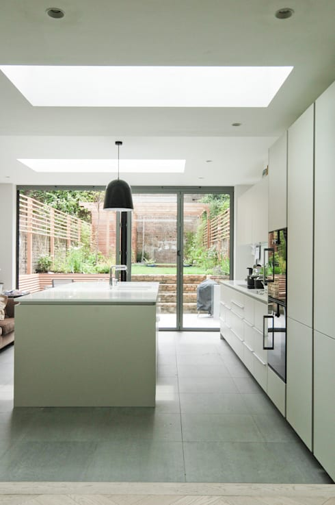 Fentiman Road, Vauxhall: modern Kitchen by Emmett Russell Architects