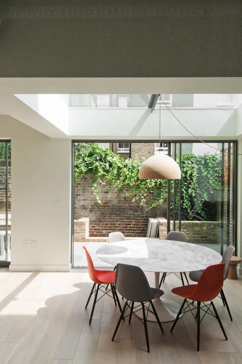 Salas de jantar  por Emmett Russell Architects