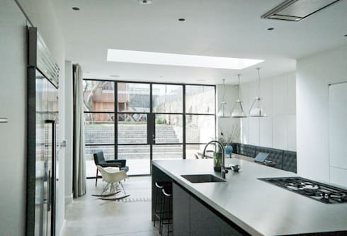 Mortimer Road, De Beauvoir:  Kitchen by Emmett Russell Architects