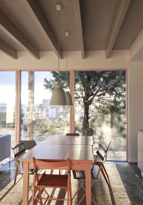 Rose House, Kingsdown:  Dining room by Emmett Russell Architects