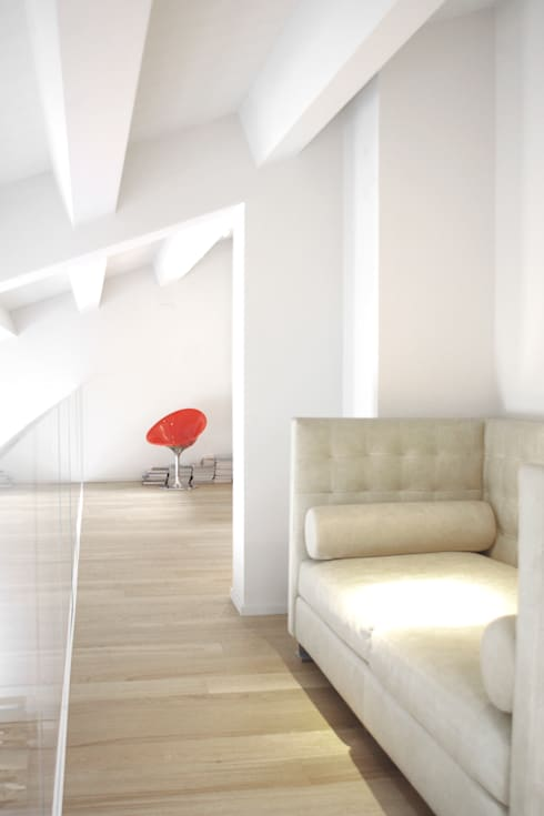 Loft G: Ingresso & Corridoio in stile  di Pinoni + Lazzarini