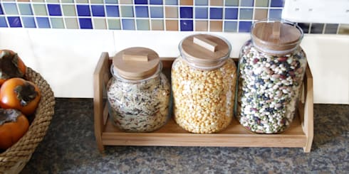 Glass Jars: modern Kitchen by Woodquail