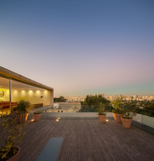 P House: Casas  por Studio MK27