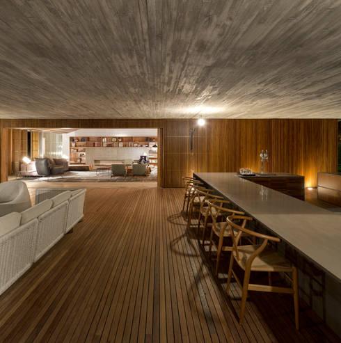 Salas de estar modernas por Studio MK27
