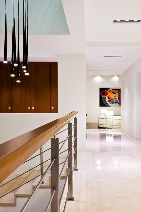 Ingresso & Corridoio in stile  di ARQUITECTURA EN PROCESO