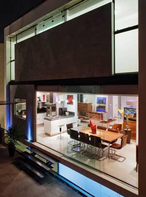 Mirante do Horto: Casas modernas por FCstudio