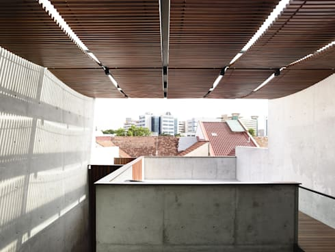 Well of Light:  Terrace by HYLA Architects