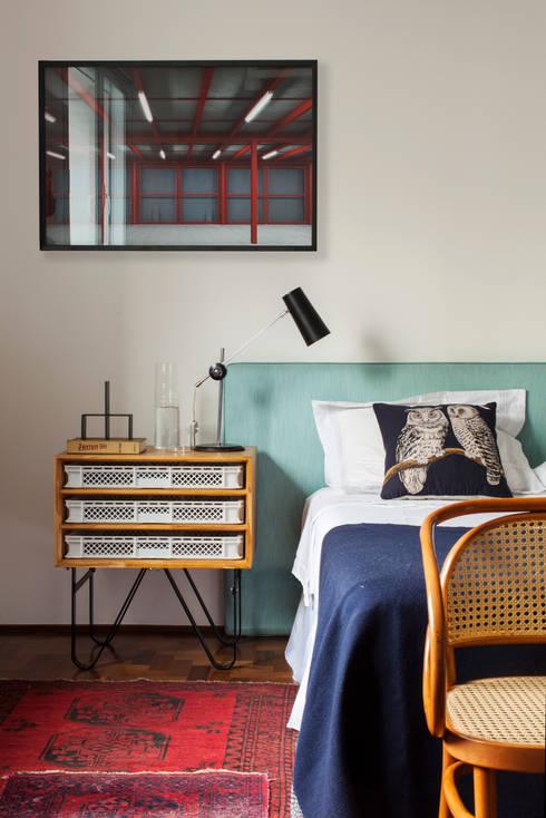 Dormitorios de estilo ecléctico de Mauricio Arruda Design