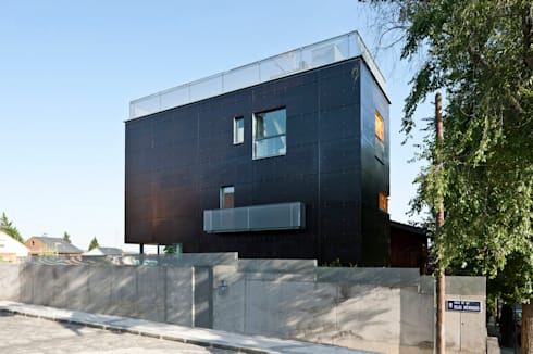 vista calle: Casas de estilo minimalista de hollegha arquitectos