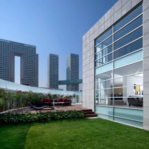 Casa Laureles - Micheas Arquitectos: Jardines de estilo  por Micheas Arquitectos