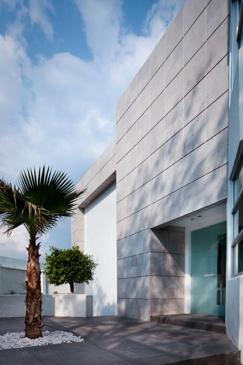 Casa Laureles - Micheas Arquitectos: Casas de estilo moderno por Micheas Arquitectos