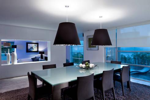 Casa Laureles - Micheas Arquitectos: Comedores de estilo moderno por Micheas Arquitectos