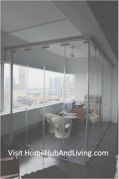 Singapore Frameless Doors Closed Position for Luxury High End House Creative Design:  Windows & doors  by daniel7
