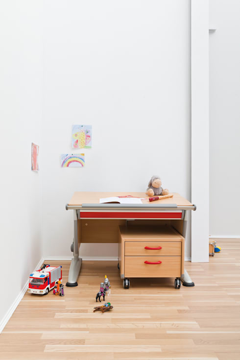 moll Children Study Rooms: modern Study/office by Ergolife Pte Ltd