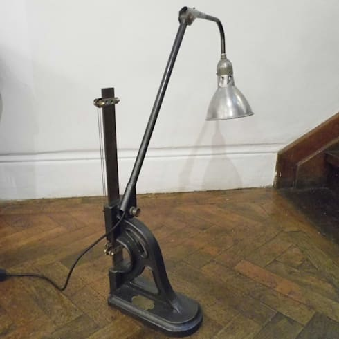 Upcycled Industial Lamp: industrial Living room by Travers Antiques