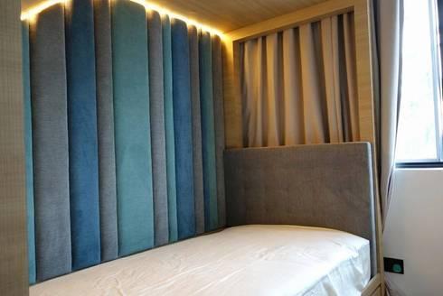 Single bed Headboard and Side Boards: modern Bedroom by Window Essentials