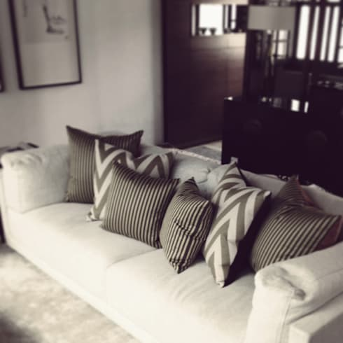 living room: eclectic Living room by elliot James Pte Ltd