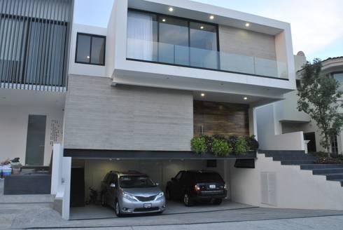 CASA VILLA PALMAS: Casas de estilo moderno por DA:HAUS