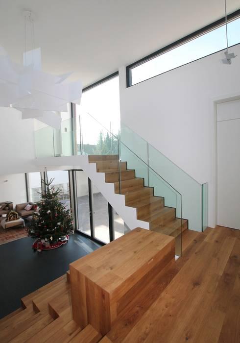 splitlevelhaus von udo ziegler architekten homify. Black Bedroom Furniture Sets. Home Design Ideas