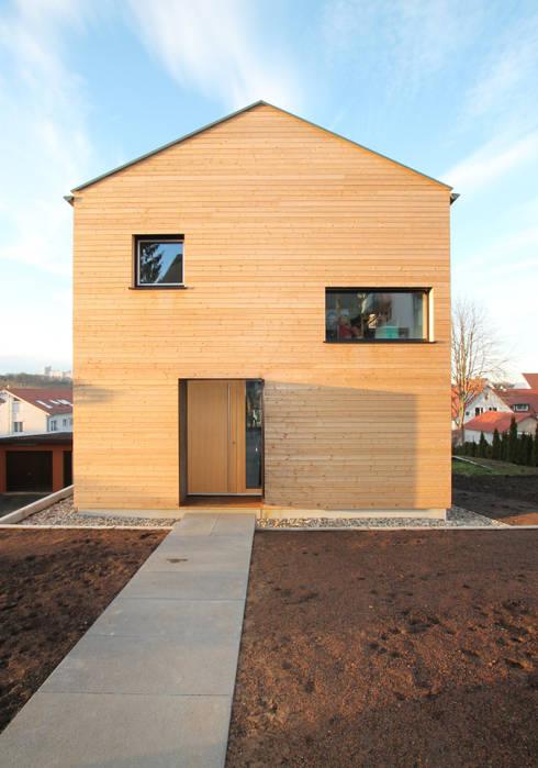 Langhaus: moderne Häuser von Udo Ziegler   Architekten