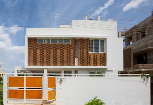 LATERAL HOUSE:   by Gaurav Roy Choudhury Architects